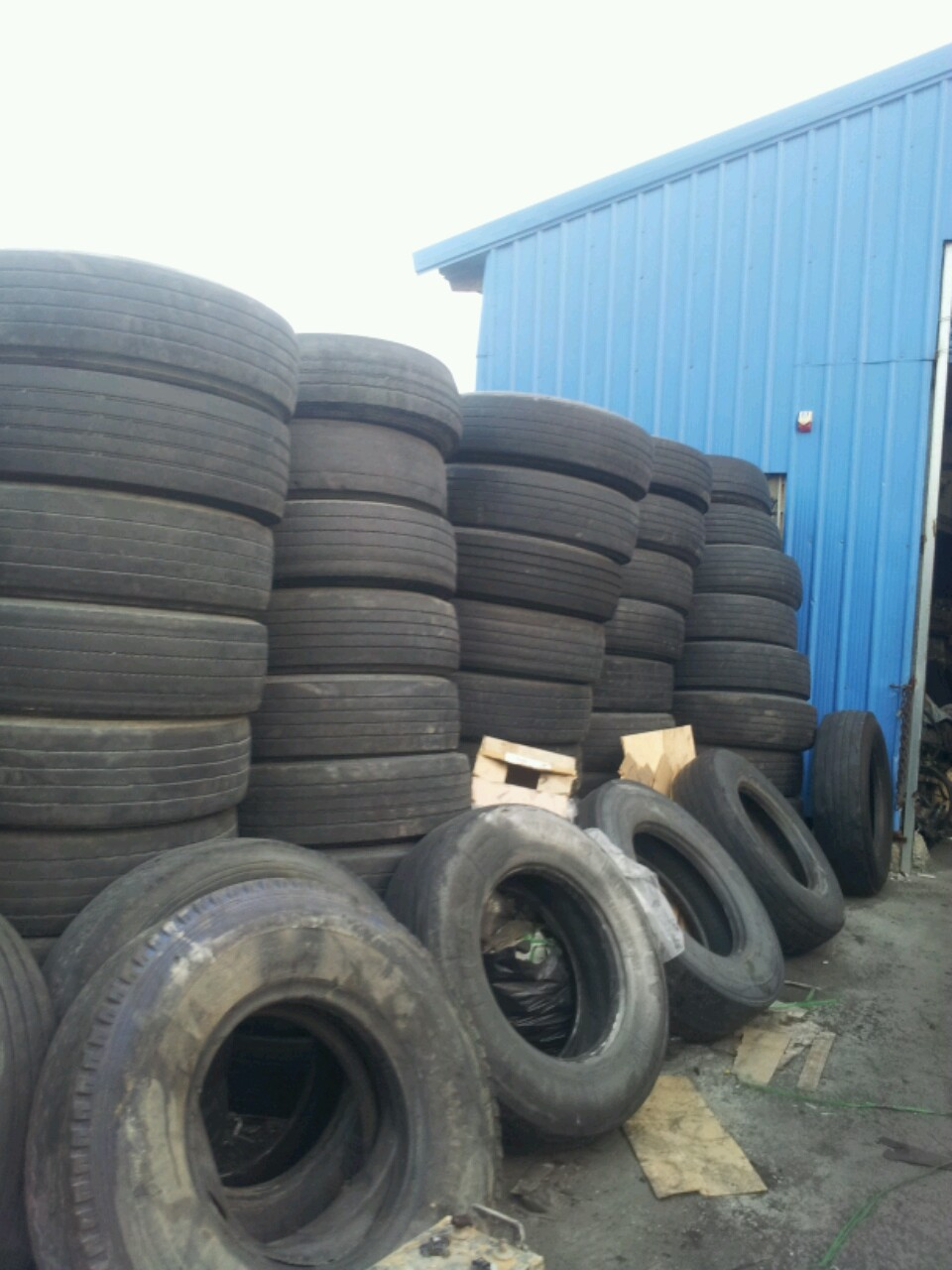 Used Truck Tire 80R22.5 For 1container 40